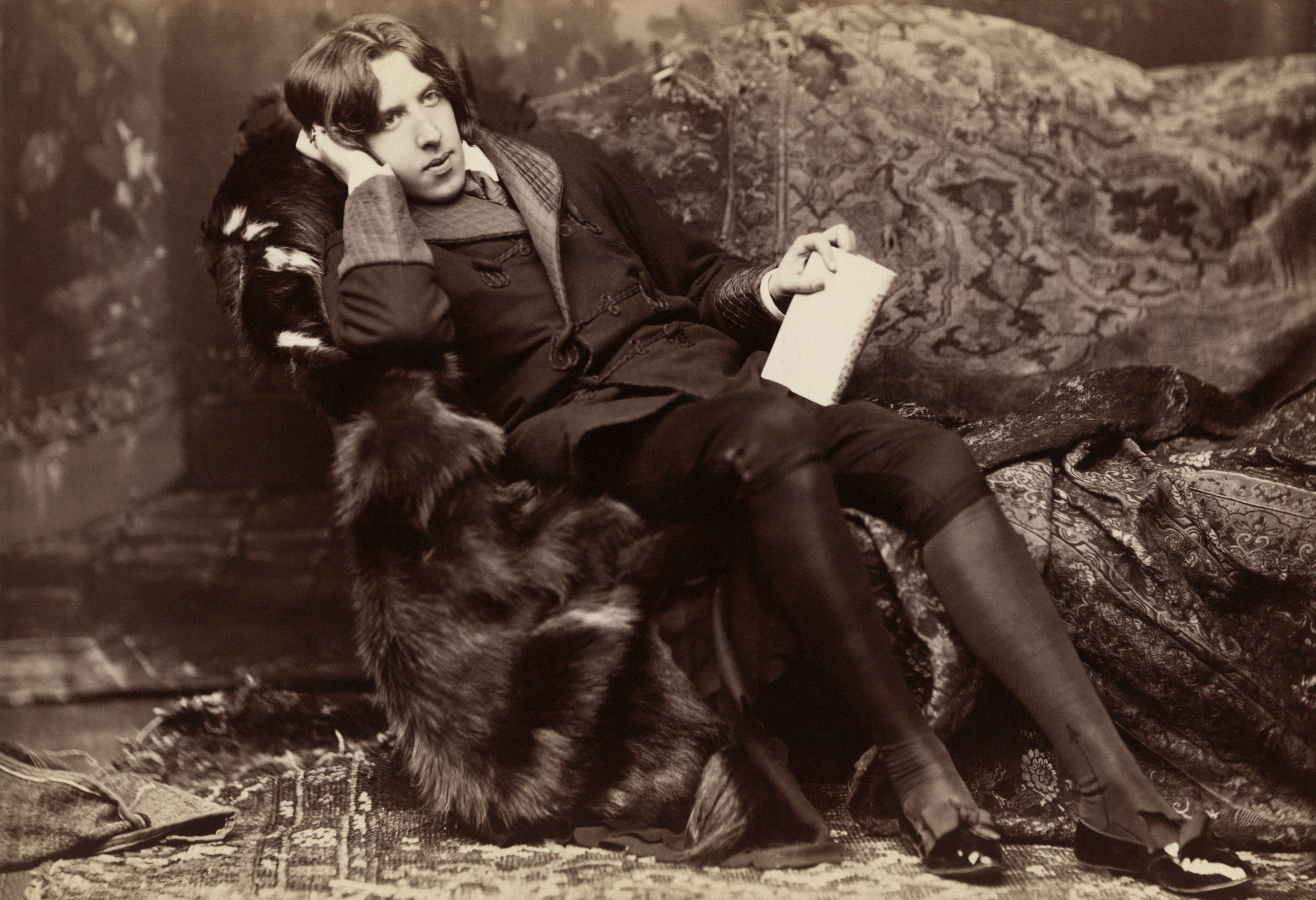 Lessons in Writing Memorable Content from the Master of Wit, Oscar Wilde